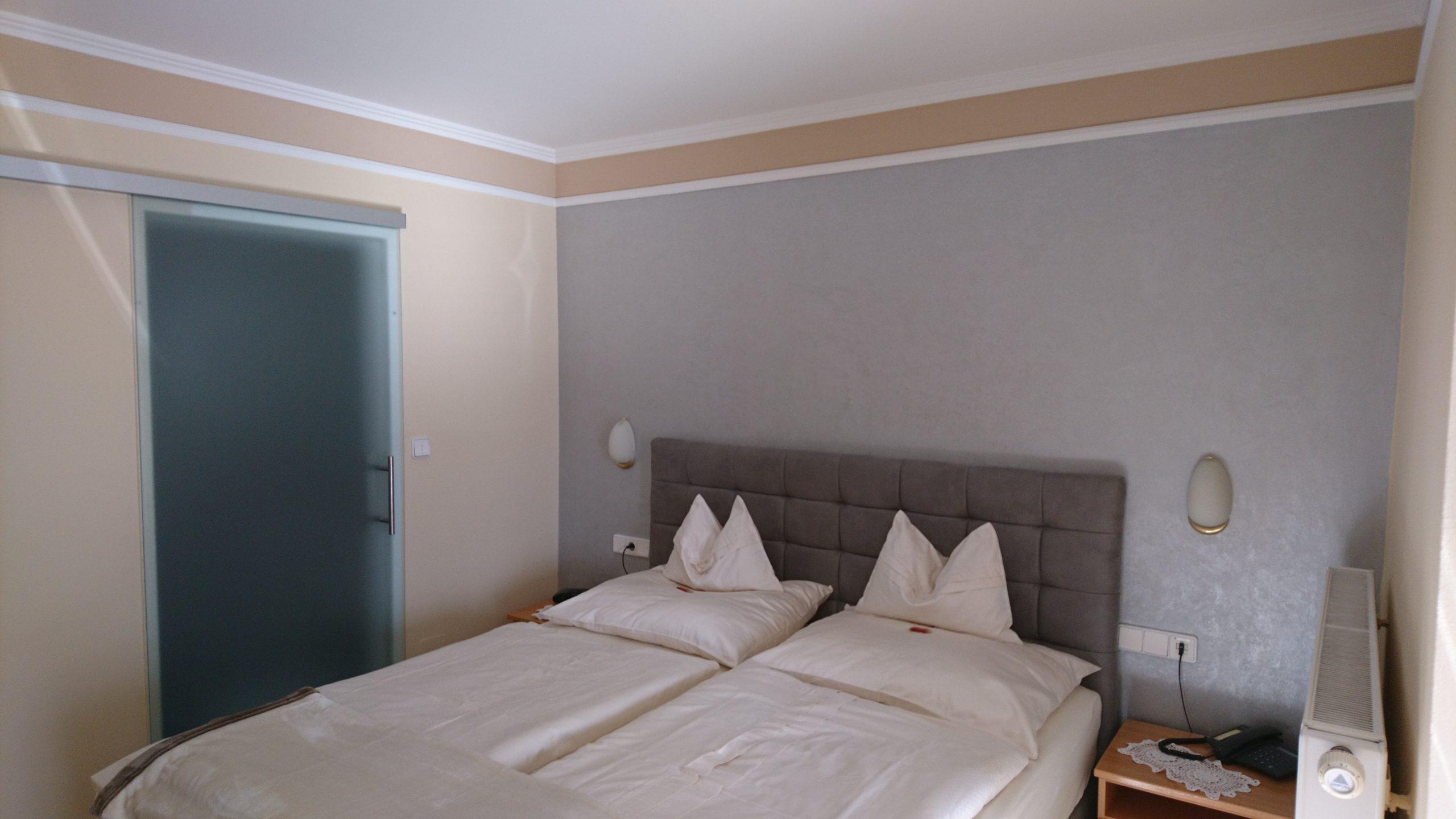 Hotelzimmer mit Effektfarbe